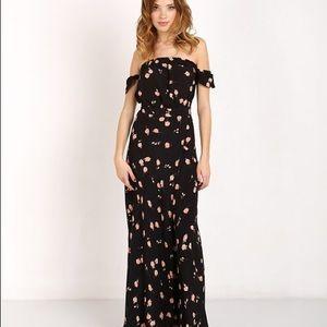 d0ff93dc2b4 Flynn Skye Dresses - Flynn Skye Bella Maxi Dress in Poppy Fields M